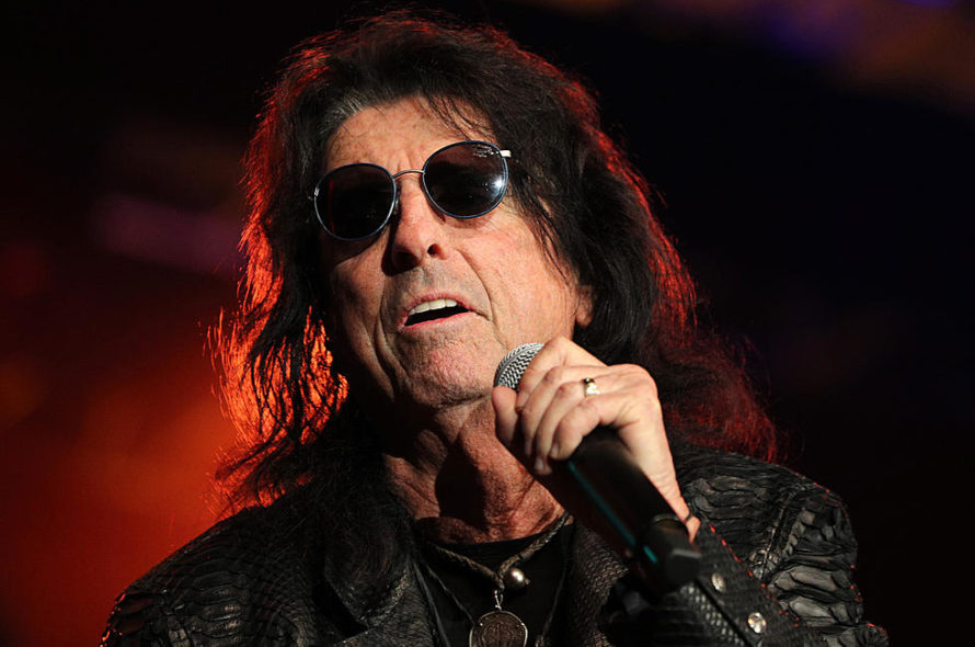 See: Alice Cooper Surprise Harry Nilsson's Ailing Son Zak with new song